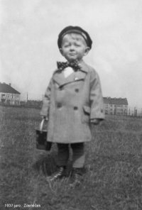 Zdeněk Prokop na jaře 1937