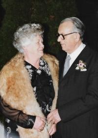 Eva, sestra Anny Musilové, s manželem, NSR 1995