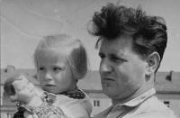 Josef Musil s dcerou Danou, Brno 1956