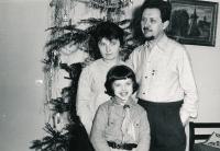 S rodiči Zdenkou a Přemyslem Muchovými, Vánoce 1968