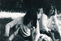 Jáchym Topol (vpravo) a Veronika Bartošková na výletě ve Wroclawi, cca 1978
