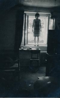 Divadelní zkouška ve sklepě domu Nad Klamovkou, 1978