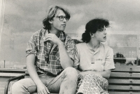 Výlet za Ivanem M. Jirousem 16. 7. 1986, Terezie Hradilková s Jáchymem Topolem