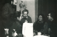 At home by Stankovičs, from the left Andrej Stankovič, Václav Havel, Olina Stankovičová and Ivan Martin Jirous, late 1980s