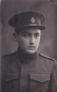 Leo Melcer na vojně v Hranicích na Moravě, rok 1926