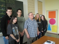 Jaroslav s žáky z projektu Příběhy našich sousedů