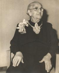 Leontýna Hirsch, prababička Jiřiny Novákové z matčiny strany, New York 1960