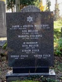 Fotografie rodinného hrobu na židovském hřbitově v Ostavě