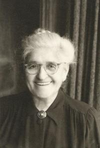 Leontýna Hirsch, prababička Jiřiny Novákové, New York, 1961