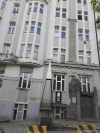 Bývalé Waldesovo muzeum v krásném secesním domě, nám. Svatopluka Čecha, Vršovice