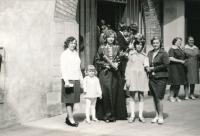 Promoce Jindry Lisalové, 1976