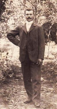 Bratr stařenky (maminčiny matky) Isidor Havelka