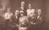 Svatební fotografie (adoptivních) rodičů Čeňka a Emilie Zlámalových, 1930