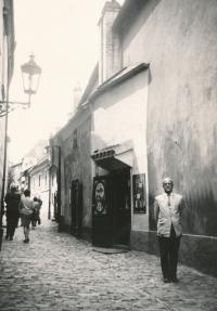 S otcem v Praze, 1968