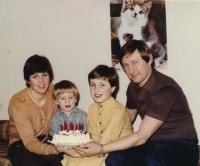 Vladimír Martinec s manželkou a dětmi v první polovině 80. let 20. století