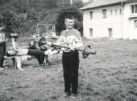 Vladimír Martinec jako dorostenec na soustředění Tesly v Sanopši v roce 1965