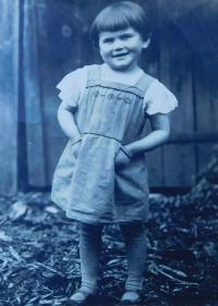 Jarmila Valouchová (Pospíšilová) v roce 1939