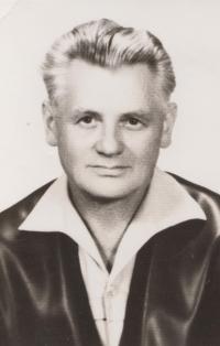 Jaroslav Severin po návratu z komunistického vězení