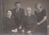 S bratrem a rodiči