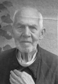 Otcův strých páter Jindřich Valouch