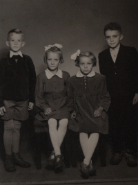 Josef Klem (on the right) with his cousins