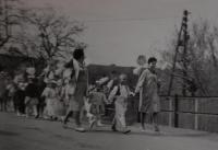 První máj 1964, Jaroslava Jesenská vpravo
