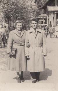 Manželé Severinovi krátce po válce
