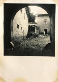 Courtyard and gate of the brewery in Havlíčkova Borová
