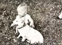 Shot dog Astička with small Dagmar Brtníková née Bartošíková