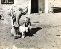 Aloisie Musilová with grandaughter Dagmar