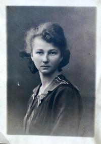 Young mother Aloisie Musilová