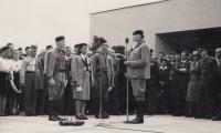Otevírání sokolovny v Českých Budějovicích v roce 1947, starosta JUDr. Jindřich Autengruber se svými zástupci
