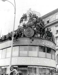 Budova Čedoku v obležení, srpen 1968 v centru Brna