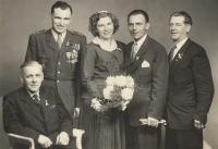 Jan Plovajko jako svědek na svatbě