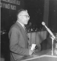 Na UV SPB, 1968