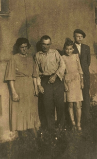 Rodina Golombkova