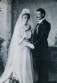 Svatební foto pamětníkova dědečka Františka Šimona a Anny Štěpánkové, 1904