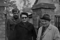Václav Bruna s rodiči v Českém Brodě (1971)