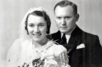 Svatební foto rodičů Marie a Ferdinanda Brunových (1934)