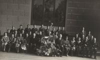 Školní orchestr, Karel Štancl sedí druhý zprava, 1934