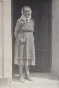 Matka Františka Bubeníková rozená Kramlová, Čechyně, 60. léta.