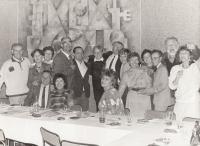 Katedra ÚJEP. První zleva Jaroslav Snopek, čtvrtý zleva Josef Bubeník, druhý zprava Vladimír Sokol, třetí zprava František Šimon. Ústí nad Labem, 1990.