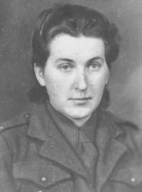 Věra Suchopárová, Skřivánková (1923), spojařka 1. brigády
