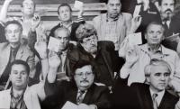 Oldřich Choděra (na fotce dole uprostřed) jako politik