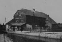 Dobová fotografie rodinného mlýnu v Doubravicích