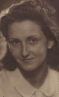 Eva Okenfusová, 1938
