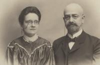 František a Pavla Okenfusovi, prarodiče Evy Štanclové