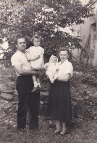 Jiřina Hájná and Boris Hajný with their daughters, 1951