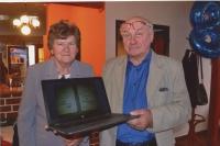 Zdeněk Brom s manželkou při oslavě 80 let