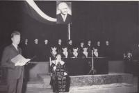 Bratr Miloslav a jeho děkovná řeč na slavnostním předávání diplomu
